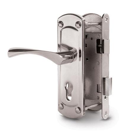 Slēdzenes koka durvīm